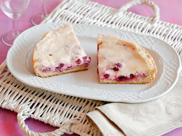 Рецепт творожного пирога с вишней в мультиварке