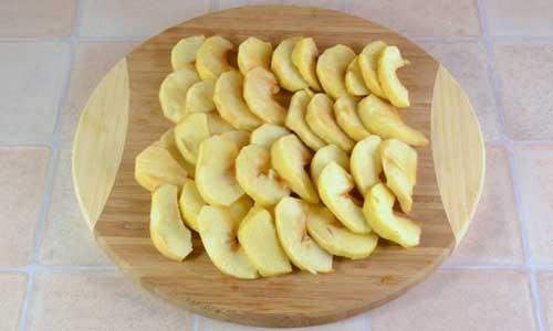 Рецепты шарлотки с яблоками и творогом в мультиварке