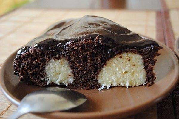 Рецепт шоколадного пирога с творожными шариками в мультиварке
