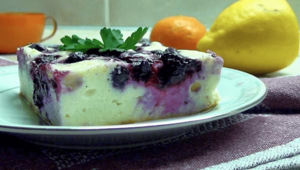 Рецепты творожной запеканки с ягодами