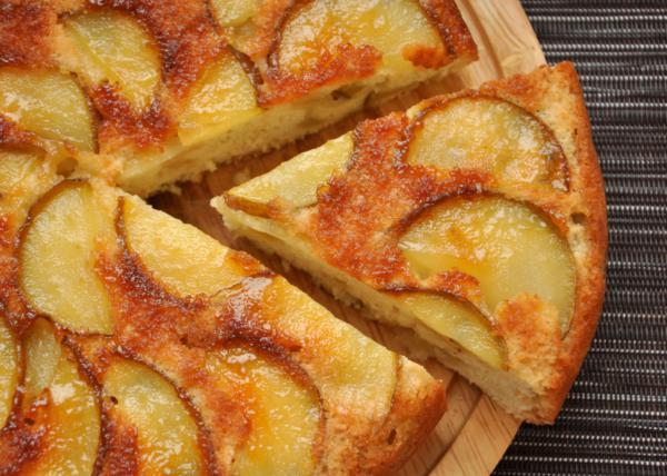 Приготовление творожного кекса с яблоками