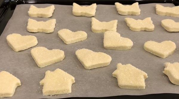 печенье на пергаменте
