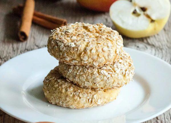 Легкий и вкусный рецепт сырников из творога с яблоками