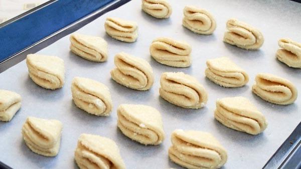 Пошаговый рецепт творожного печенья поцелуйчики