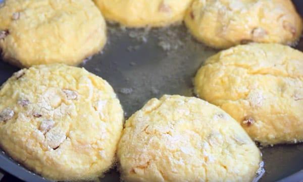 сырники на сковородке