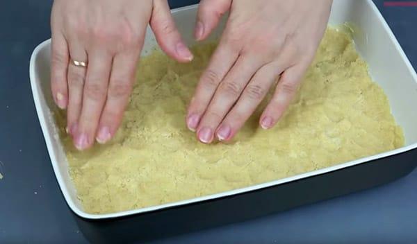 4 простых рецепта творожного пирога с песочной крошкой